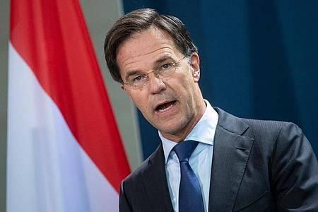Der niederländische Premierminister Mark Rutte hat sich in einer Fernsehansprache an die Bevölkerung gewandt. Foto: Bernd von Jutrczenka/dpa Pool/dpa