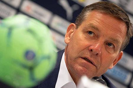Vor knapp elf Monaten hat Alfred Gislason das Amt des Handball-Bundestrainers übernommen. Foto: Federico Gambarini/dpa
