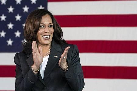 Kamala Harris, Vizepräsidentin der USA, soll schon bald als Wachsfigur im Kabinett von Madame Tussauds zu sehen sein. Foto: Jacquelyn Martin/AP/dpa