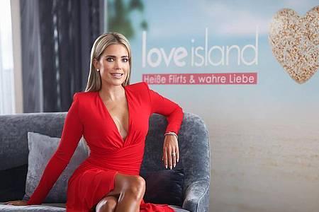 Sylvie Meis moderiert die sechste Staffel von «Love Island». Foto: Christian Charisius/dpa