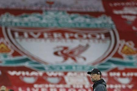 Liverpools Coach Jürgen Klopp ist zum Trainer des Jahres in der Premier League gewählt worden. Foto: Phil Noble/Pool Reuters via AP/dpa