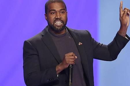 US-Medien berichten, Kanye West habe in Los Angeles einen Antrag auf Namensänderung gestellt. Foto: Michael Wyke/AP/dpa