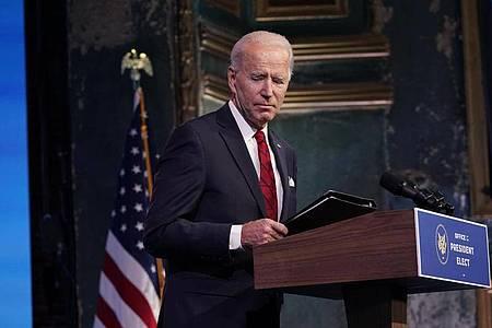 «Wir sind weiter in einem sehr dunklen Winter. Wir sind im Krieg mit diesem Virus», sagt Biden. Foto: Matt Slocum/AP/dpa