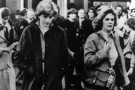 Die Ehefrau und die Freundin:Prinzessin Diana und Camilla Parker-Bowles. Foto: London Express/dpa