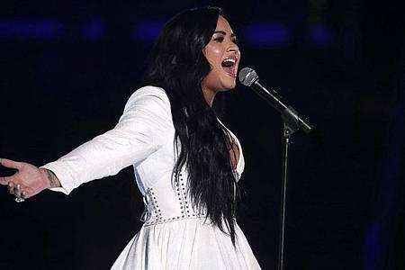 Sängerin Demi Lovato bei einem Auftritt im Staples Center (Los Angeles). Foto: Matt Sayles/Invision/AP/dpa