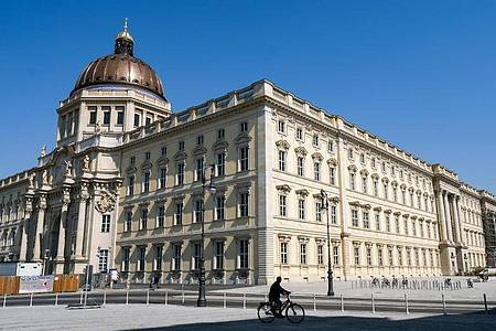 Nach einem digitalen Vorspiel will das Berliner Humboldt Forum nun Mitte Juli seine Türen für Besucherinnen und Besucher öffnen. Foto: Jens Kalaene/dpa-Zentralbild/dpa