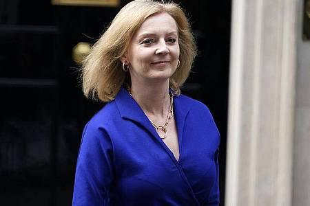Die neue Außenministerin von Großbritannien, Liz Truss, hat den Pakt mit USA und Australien verteidigt. Foto: Alberto Pezzali/AP/dpa