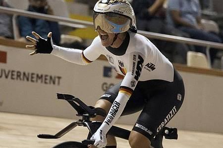 Setzt ihre Karriere weiter fort: Lisa Brennauer. Foto: Thibault Camus/AP/dpa