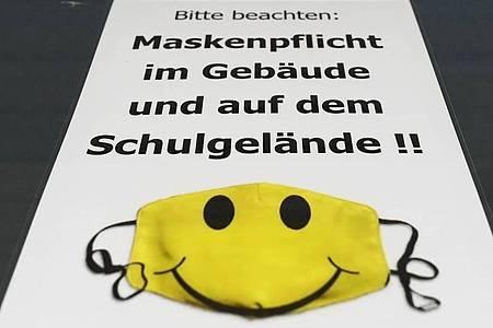 In Baden-Württemberg kommt die Maskenpflicht ab Klasse 5 im Unterricht. Foto: Uli Deck/dpa