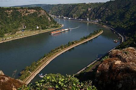 Das Mittelrheintal mit Blick auf St. Goarshausen. Foto: Thomas Frey/dpa