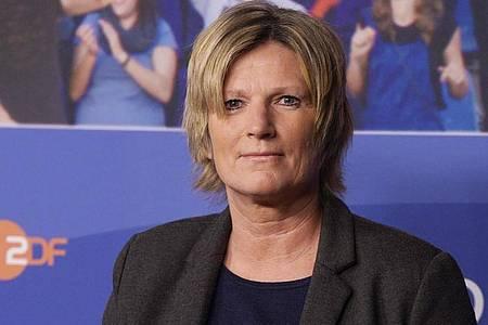 Die ZDF-Sportreporterin Claudia Neumann wird immer wieder angefeindet. Foto: Rainer Jensen/dpa