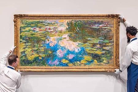 Am 12. Mai sollen Claude Monets Seerosen bei Sotheby`s in New York versteigert werden. Foto: Sotheby`s/PA Media/dpa