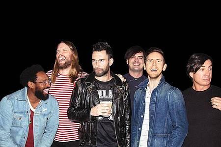 Maroon 5 haben sich viele prominente Gaststars eingeladen. Foto: --/Universal Music/dpa