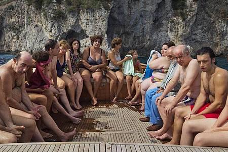 Läuft im Wettbewerb: Szene aus dem Film «Die Hand Gottes» von Paolo Sorrentino. Foto: Uncredited/Netflix via AP/dpa
