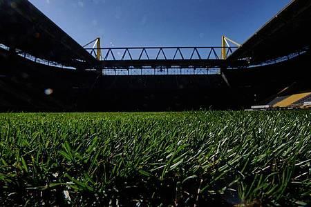Wird im Dortmunder Stadion bald wieder gespielt?. Foto: Bernd Thissen/dpa