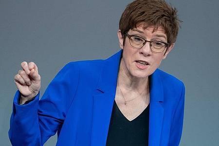 CDU-Chefin Annegret Kramp-Karrenbauer rückt den Zusammenhalt der Partei nach der Vorsitzendenwahl in den Fokus. Foto: Kay Nietfeld/dpa