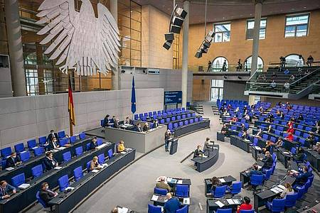 Für Bundestagsabgeordnete gibt es bei Nebeneinkünften in Zukunft deutlich strengere Meldepflichten. Foto: Michael Kappeler/dpa
