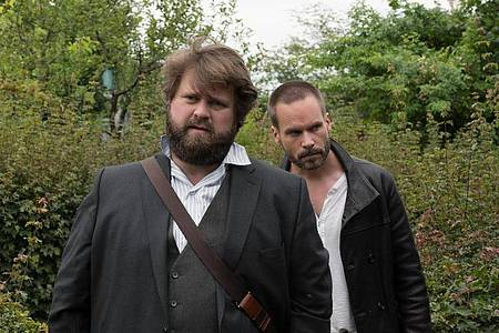 Fest entschlossen:Benni Hornberg (Antoine Monot, Jr.) und Leo Oswald (Wanja Mues, r). Foto: ZDF/christian lüdeke con lux photog/dpa