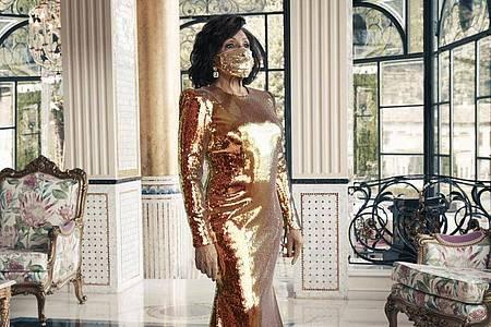 Ganz in Gold:Shirley Bassey. Foto: Universal Music Group/PA Media/dpa