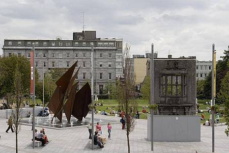 Der Eyre Square im Herzen der irischen Kulturhauptstadt Galway. Foto: Derek Cullen/Fáilte Ireland /dpa