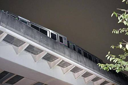 Ein Zug entgleiste leicht. Foto: -/kyodo/dpa