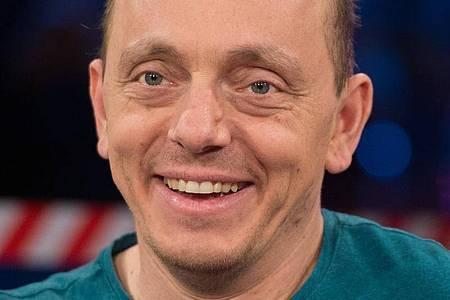 Der Komiker und Moderator Bernhard Hoëcker gehört zu jenen, die eigene Gags von früher kritisieren. Foto: picture alliance / dpa