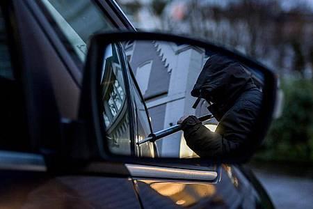 Im Corona-Jahr 2020 ist die Zahl der Autodiebstähle in Deutschland stark gesunken. Foto: Axel Heimken/dpa
