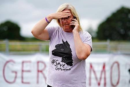 Helen Macdonald, die Besitzerin von Alpaka Geronimo, hatte um das Leben des Tieres gekämpft. Foto: Ben Birchall/PA Wire/dpa