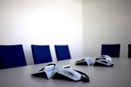 Arbeitgeber können die Mitglieder des Betriebsrats während der Corona-Pandemie in der Regel nicht dazu zwingen, ihre Sitzung in Präsenz abzuhalten. Foto: Arno Burgi/dpa-Zentralbild/dpa-tmn