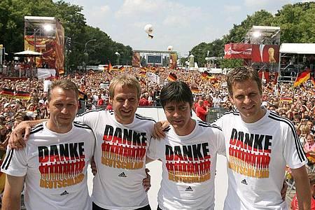 Die WM 2006 stand im Mittelpunkt des Films Sommermärchen. Foto: DB Marcus Brandt/ddp/Pool/dpa