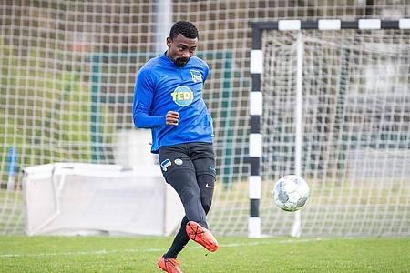 Bei Hertha BSC nach seinem Kabinen-Video suspendiert:Salomon Kalou. Foto: Jan-Philipp Burmann/Hertha BSC via City-Press GmbH/dpa