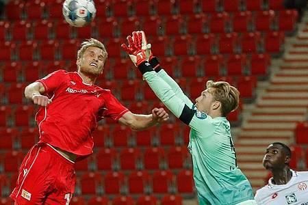 Einen Punkt konnte Torhüter Florian Müller mit dem FSV Mainz 05 aus Berlin entführen. Foto: Odd Andersen/AFP-POOL/dpa