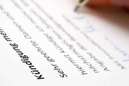 Arbeitnehmer müssen im Zweifel nachweisen können, dass die Kündigung beim Arbeitgeber rechtzeitig eingegangen ist. Foto: Andrea Warnecke/dpa-tmn/Illustration