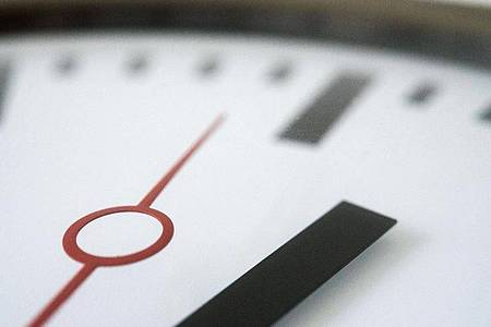 Die Pflicht zur Arbeitszeiterfassung: Gesetzlich geregelt ist sie in Deutschland noch nicht, deswegen sind die Meinungen unter Arbeitsrechtlern dazu geteilt. Foto: Andrea Warnecke/dpa-tmn