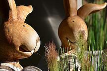 Osterdeko - zwei Holzhasen