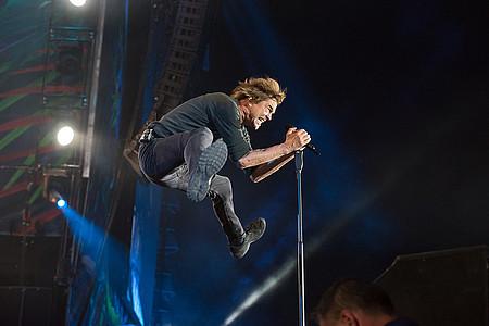 Campino springt in die Luft
