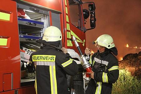 Feuerwehr nachts im Einsatz