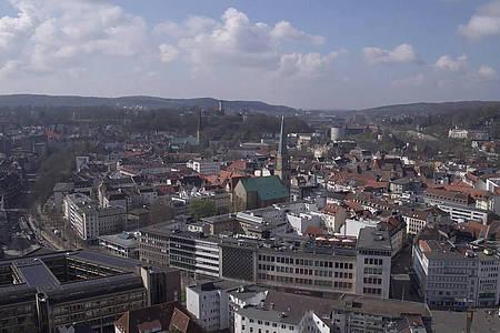 Ausblick über die Hausdächer der Bielefelder Innenstadt