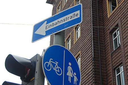 Verkehrsschild Einbahnstraße
