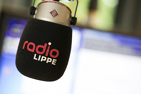Radio-Mikrofon im Sendestudio