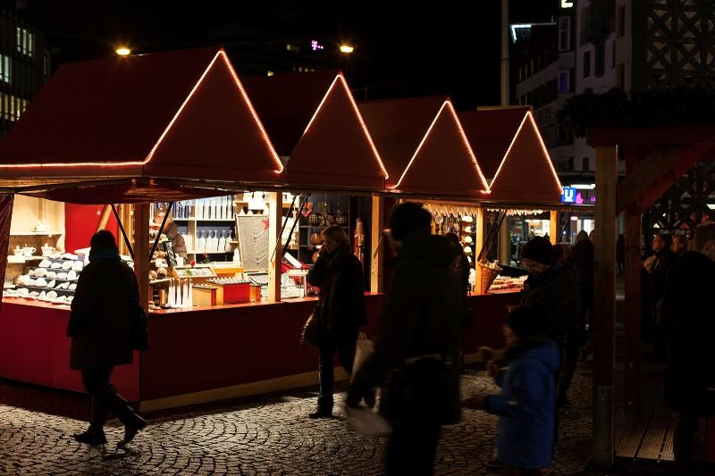 weihnachtsmarkt buden jahnplatz